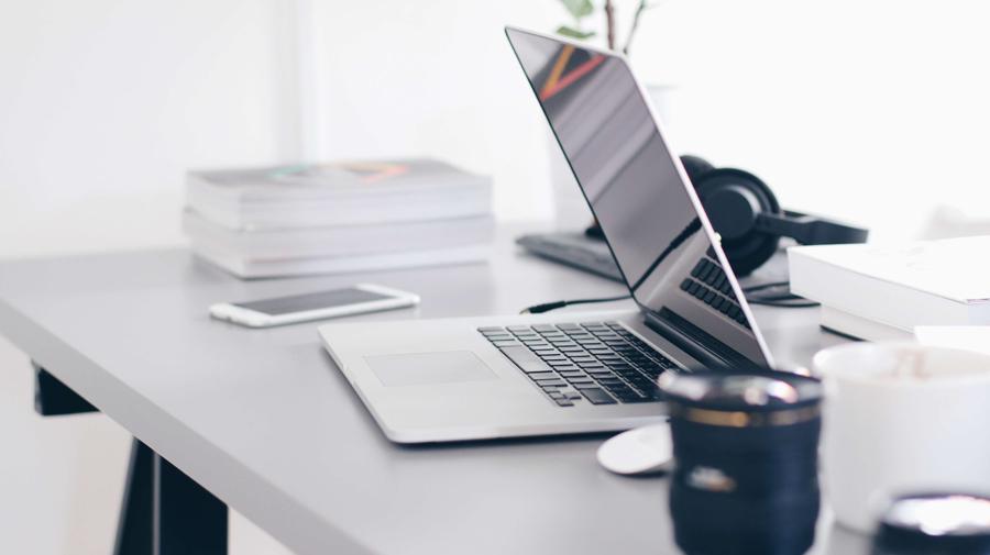 outsourcing sprzętu wramach obsługi informatycznej firm